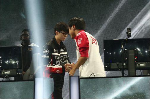 总决赛首日之声:Ryu在像斗士一样战斗